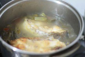 Tiến hành nấu cá