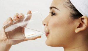 Uống nước buổi sáng tốt cho sức khỏe