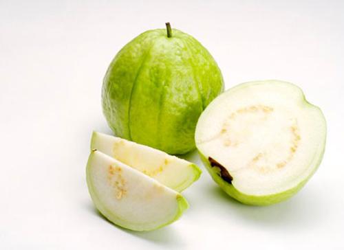 ổi là loại quả ăn nhiều sẽ bị mọc mụn