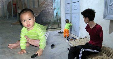 Rơi nước mắt hoàn cảnh chàng trai bị điện giật mất cả đôi tay, vợ liền bỏ đi bỏ lại chồng và con thơ khát sữa