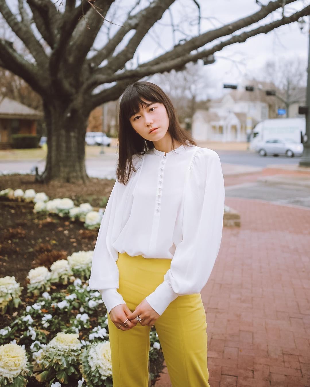 Áo blouse nhấn eo