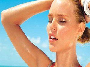 Mồ hôi tăng tiết bất thường - Nguy cơ mắc bệnh cao