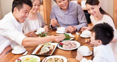 Nằm mơ thấy ăn cơm có ý nghĩa gì? Đánh con đề gì?
