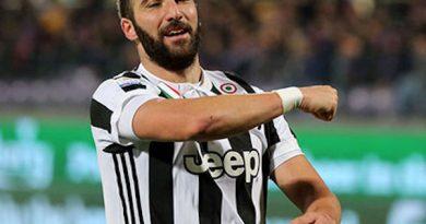 Tin chuyển nhượng 19/7 : Higuain không muốn rời Juventus