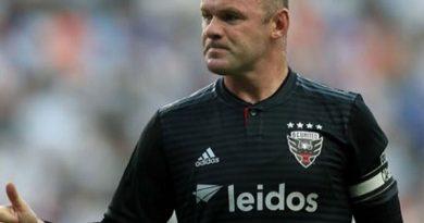 Chuyển nhượng 7/8: HLV Cocu rụt rè khi nói về Rooney