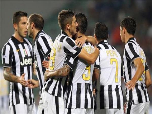 Kỷ lục chuỗi trận thắng dài nhất Serie A