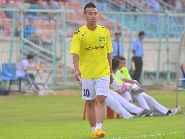 Chuyển nhượng V.League 2/3: Hậu vệ SLNA xuống giải hạng Nhất