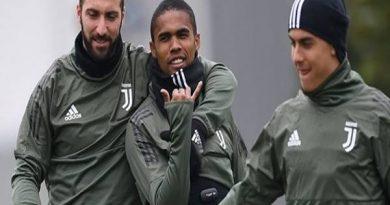 Tiền đạo Douglas Costa chia sẻ khiến người hâm mộ ấm lòng