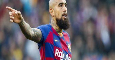 Tin bóng đá ngày 13/8: Vidal muốn rời Barca để quay lại Juventus