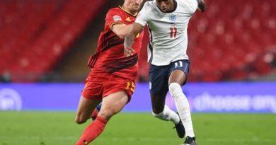 """Tin bóng đá MU 12/10: Rashford ngồi """"chung mâm"""" cùng Beckham và Rooney"""