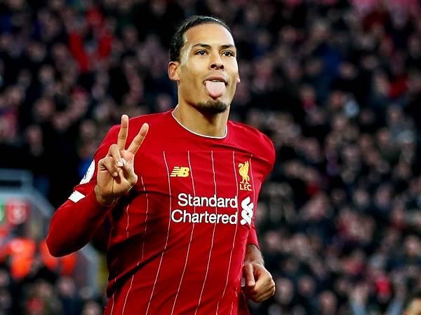 Chuyển nhượng 17/12: Liverpool trói chân Van Dijk bằng hợp đồng 5 năm