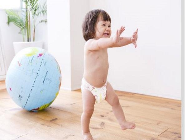 Thay tã bỉm cho trẻ sơ sinh - Chuyện tưởng dễ nhưng …