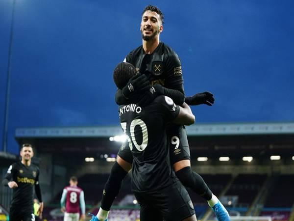 Tin bóng đá 4/5: West Ham ngược dòng thắng trên sân Burnley