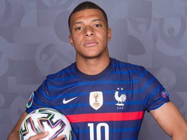 Tin bóng đá 22/6: Mbappe nhận vai trò mới ở tuyển Pháp