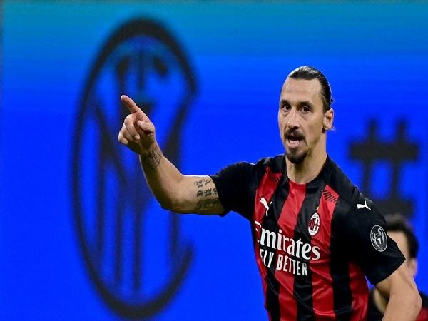 Ibra vẫn chưa gia hạn với AC Milan